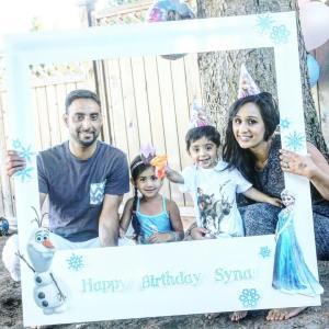 Frozen Birthday Party - Life Size Polaroid Frame {ww.creationsbysonia.ca}