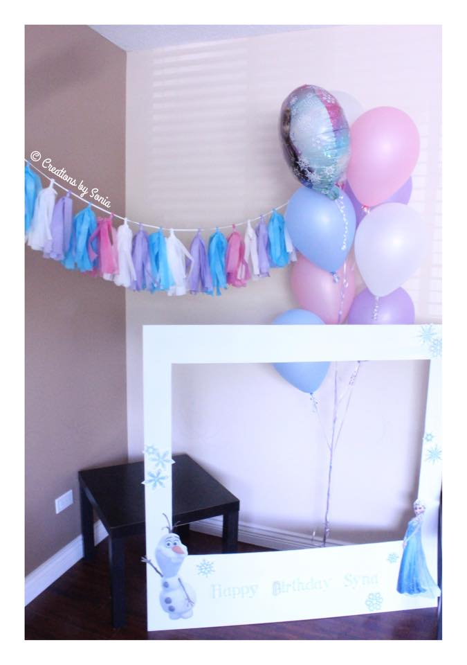 Frozen Party - Tassel Banner, Life Size Polaroid {www.creationsbysonia.ca}