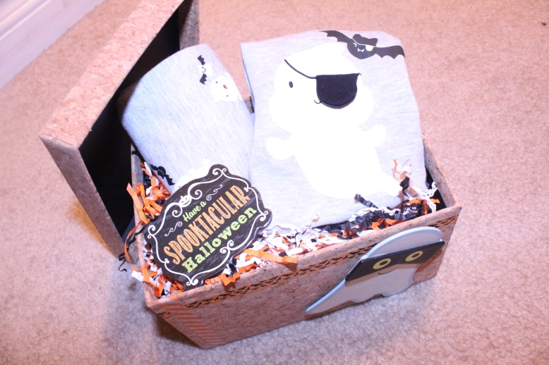 Halloween Gift Box for Baby's First Halloween by Creations by Sonia {www.creationsbysonia.ca}
